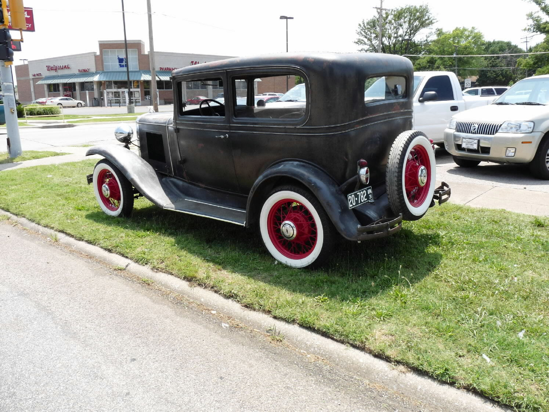 Black multi colored cloth interior in line 6 cylinder 3 for 1931 chevrolet 2 door sedan