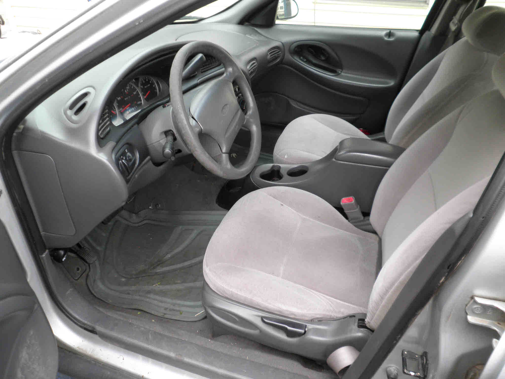 Silver Light Grey Cloth Interior V 6 3 0 Liter Auto